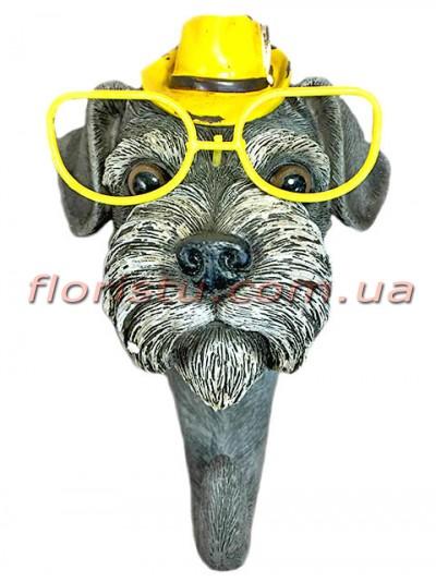 Декоративная фигурка-крючок из полистоуна Собака в желтой шляпе 16 см