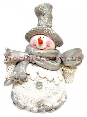 Новогодняя фигурка полистоун Снеговик с подарком 12 см