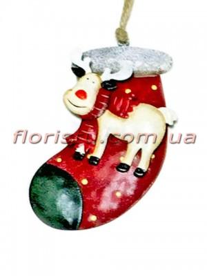 Новогодняя металлическая подвеска на елку Носок красный с оленем 13 см