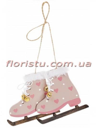 Новогоднее украшение-подвеска Коньки с сердечками светло-розовые 8 см