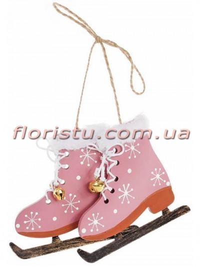 Новогоднее украшение-подвеска Коньки со снежинками розовые 8 см