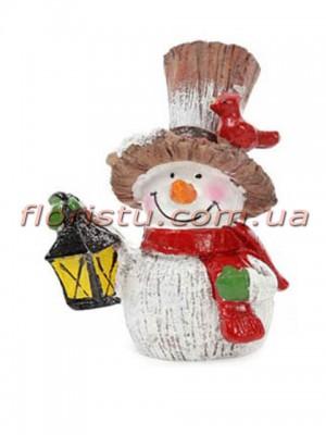 Новогодняя фигурка полистоун Снеговик с птичкой и фонариком 7,5 см