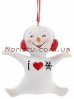 Новогодняя фигурка-подвеска полистоун Снеговик с сердечком 9 см