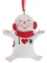 Новогодняя фигурка-подвеска полистоун Снеговик с сердечком 7 см