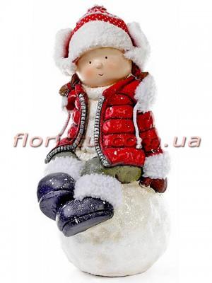 Новогодняя фигура Девочка на снежке в красной куртке 45 см