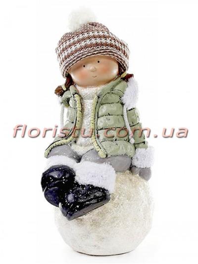 Новогодняя фигура Девочка на снежке в мятной куртке 45 см