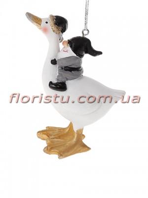 Декоративная подвесная фигурка Гусь с гномиком 9,5 см №2