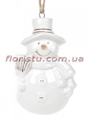 Фарфоровая подвесная фигурка Снеговик белый с золотом 8 см №2