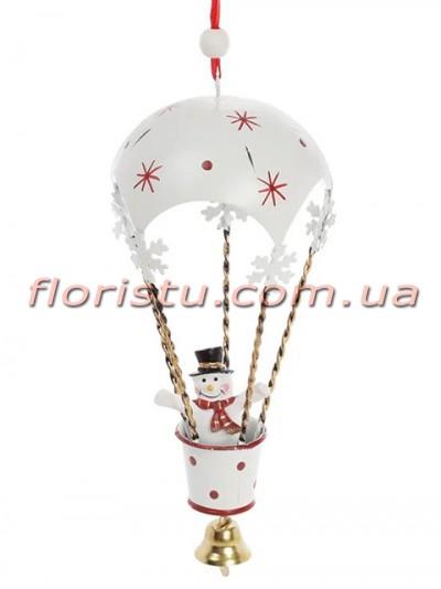 Новогодний подвесной декор Воздушный шар белый со снеговиком 30 см