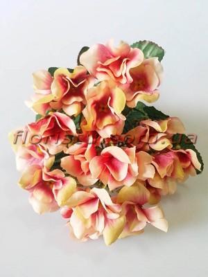 Гортензия Винтаж мини персиково-розовая с малиновой серединкой 5 ножек 35 см