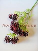 Ветка с мелкими бордово-коричневыми ягодами 48 см