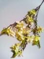 Цветущая весенняя ветка искусственная Ванильная 90 см
